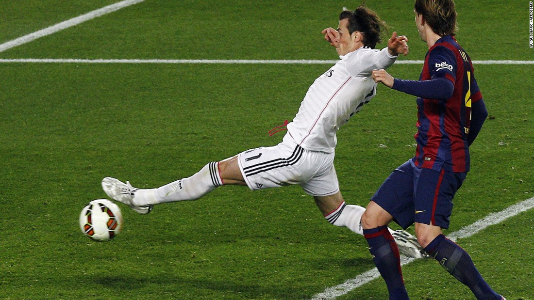 Gareth Bale stretches to put the ball into the Barcelona goal but it's ruled out for offside.