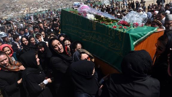 Afghan women care Farkhunda's casket