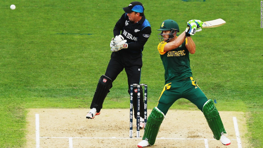 Batting first, South Africa were motoring along until a two-hour rain break disrupted its momentum. It finished on 281 after 43 overs, a target increased to 298 due to the Duckworth/Lewis method of calculation used when weather affects games. Faf du Plessis top scored with 82.