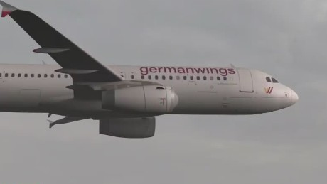 cnni quest germanwings plane crash pilot locked out of cockpit_00004208.jpg