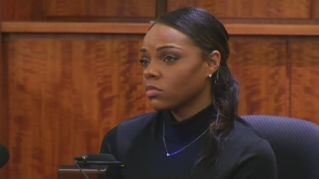 Aaron Hernandez's fiancée  takes the stand