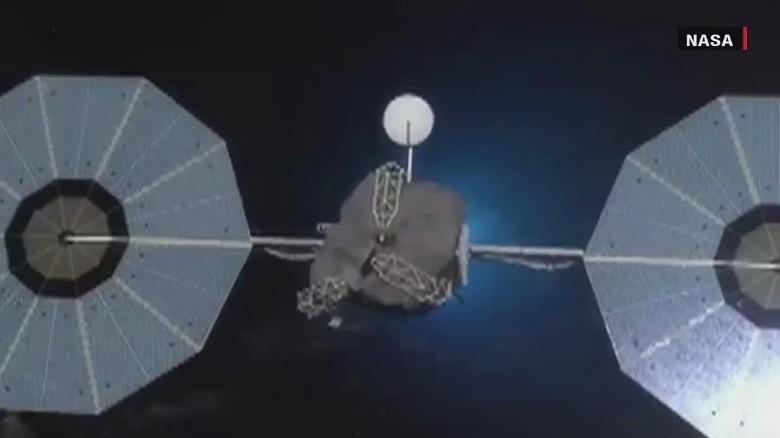 Asteroid to orbit Earth's moon?