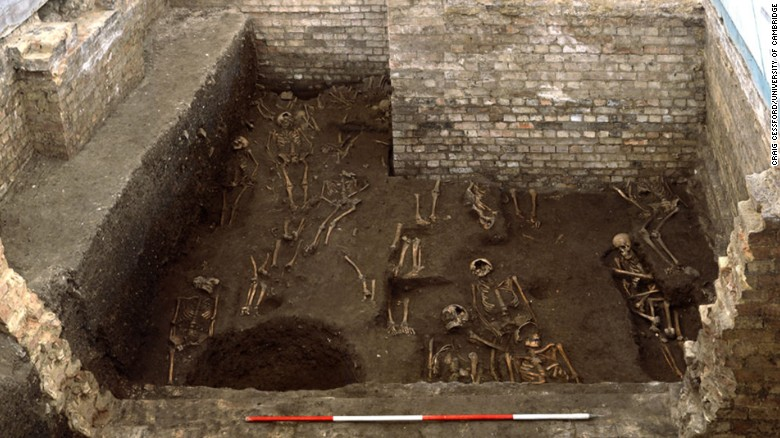 Mass grave unearthed under univeristy