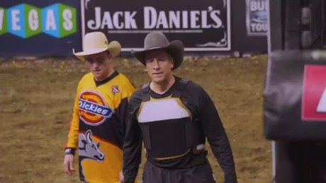 mike rowe bull ride_00003305