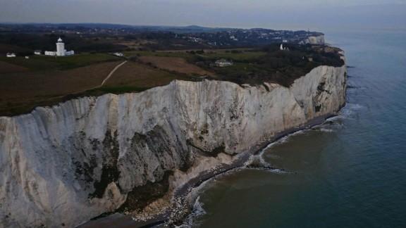 pkg soares uk immigration cliff edge_00002601.jpg