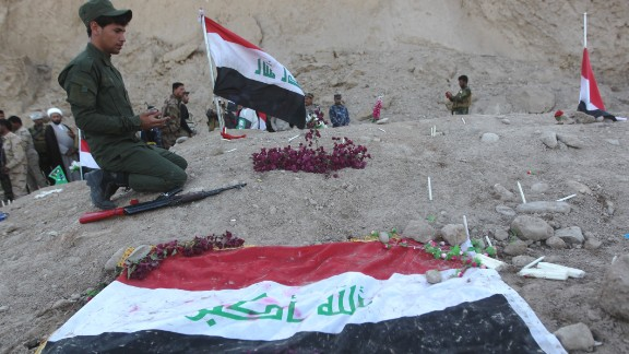 An Iraqi Shiite fighter and member of Iraq