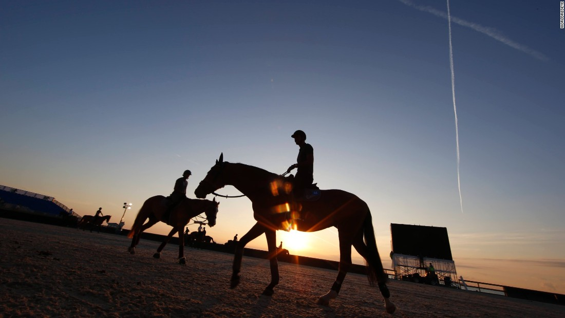 Every year, some of the world's best showjumpers spend a weekend competing in an unusual location: Miami Beach.