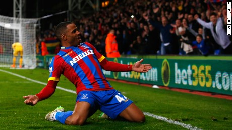 Jason Puncheon of Crystal Palace celebrates scoring his team's second goal during the Barclays Premier League match between Crystal Palace and Manchester City at Selhurst Park on April 6, 2015.