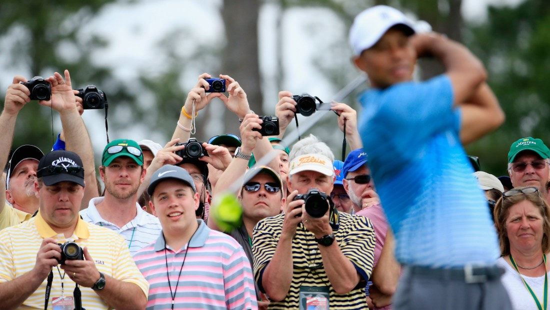 Fourteen-time major champion Tiger Woods was at Augusta on Monday to tune up for this week's Masters. As ever, the former world No. 1 was followed round the famous course by an eager few thousand spectators.
