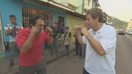 cnnee pkg montero fights with mano de piedra duran_00001928