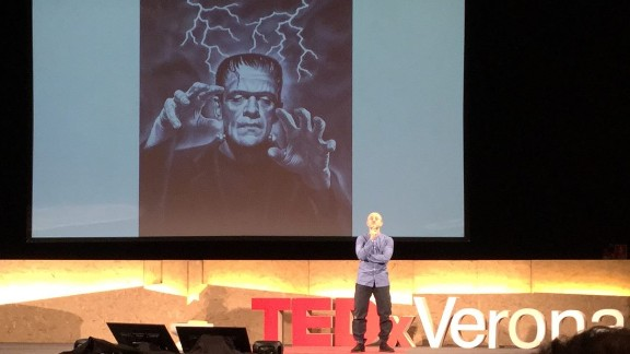 Dr. Sergio Canavero gives a TEDx presentation.
