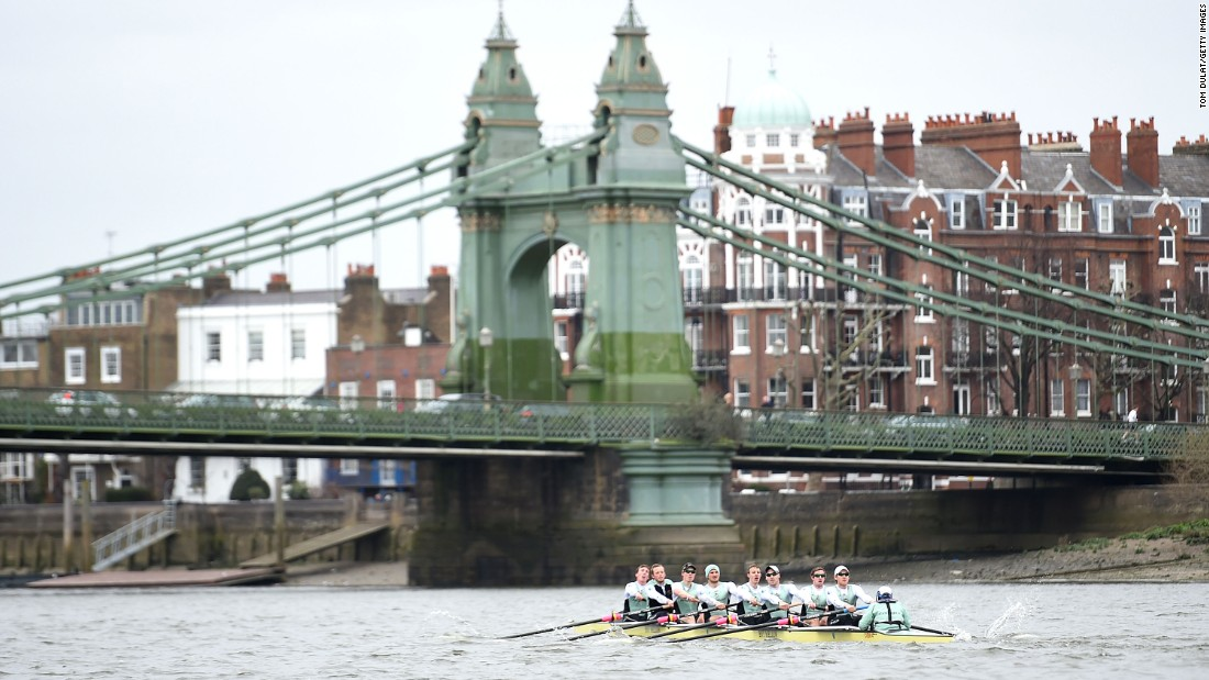 All crews in both the women's and men's races pass under Hammersmith Bridge. The famous London landmark is reached 1.5 miles into the 4.25-mile course.