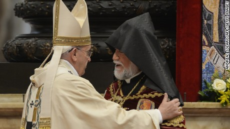 Pope joins chorus against Armenian 'genocide'