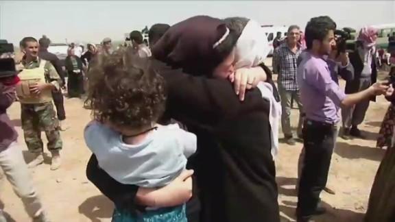 pkg damon iraq isis captives_00021701.jpg