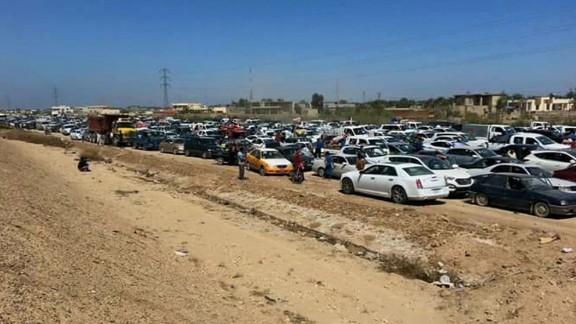 wrn damon iraq ramadi civilians flee_00000413.jpg