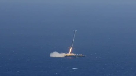 New video of SpaceX rocket explosion