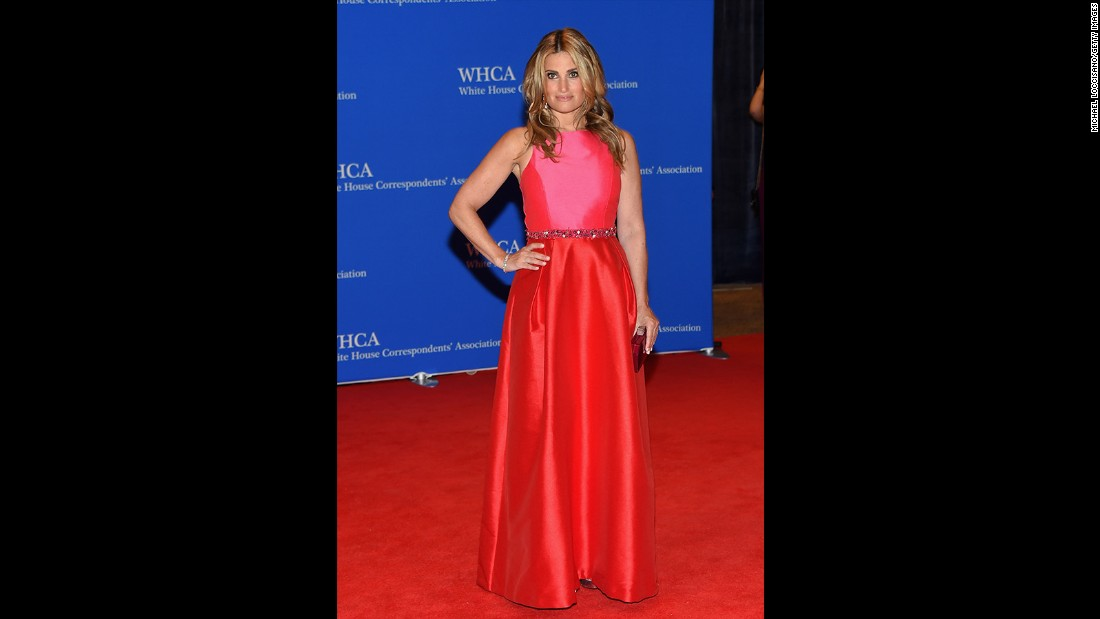 Idina Menzel attends the 101st Annual White House Correspondents' Association Dinner at the Washington Hilton on April 25, 2015 in Washington, D.C.