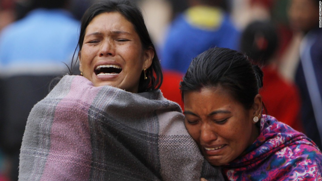 Family members break down on April 26 during the cremation of a loved one killed in Bhaktapur.
