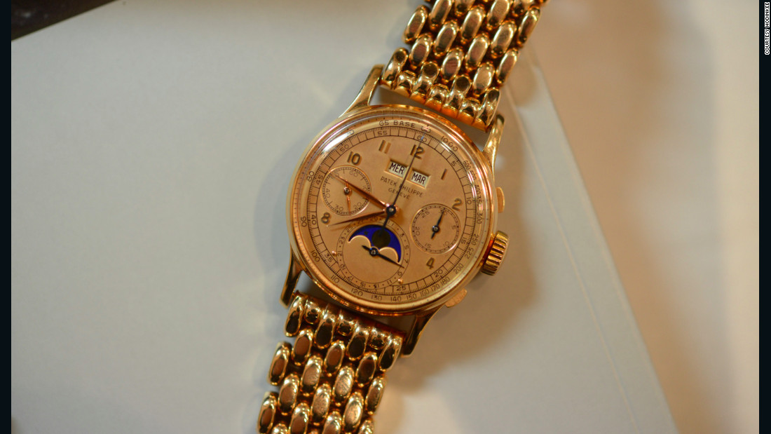 This Patek Philippe Perpetual Calendar Chronograph Reference 1518 is made of pink gold instead of yellow.
