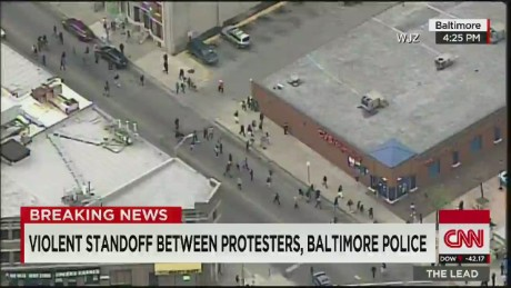Fmr. FBI official: Mayor's comments on giving rioters space 'absurd'