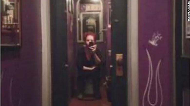 Twoway Mirror Found In Bar's Bathroom Stall CNN Video Inspiration Bathroom Stal Style