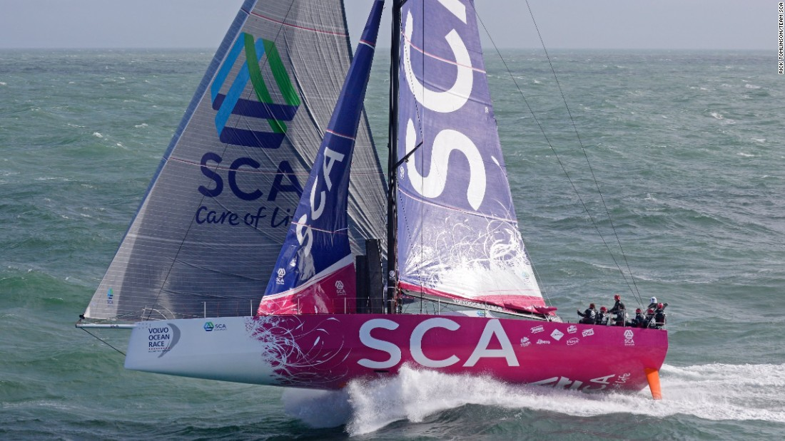 Rick Tomlinson triumphed with his photo of Team SCA sailing at a speed of more than 25 knots.