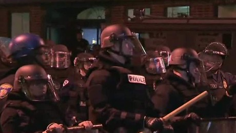 Baltimore police enforce curfew