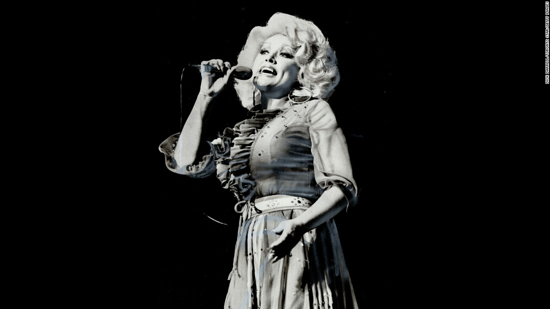 Country-music queen Dolly Parton was once paid $350,000 a week to perform at the Riviera.