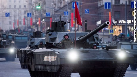 Russia rolls out high-tech new battle tank
