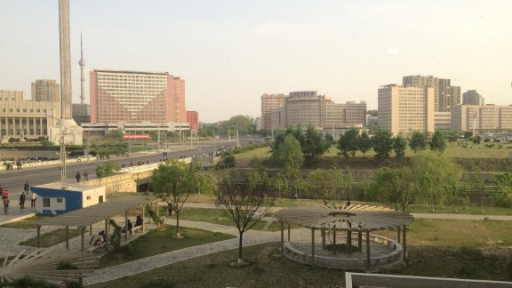 CNN's Will Ripley was given rare access to an upscale area of Pyongyang near Kim Il Sung University, where he was allowed to see the inside of a faculty apartment.
