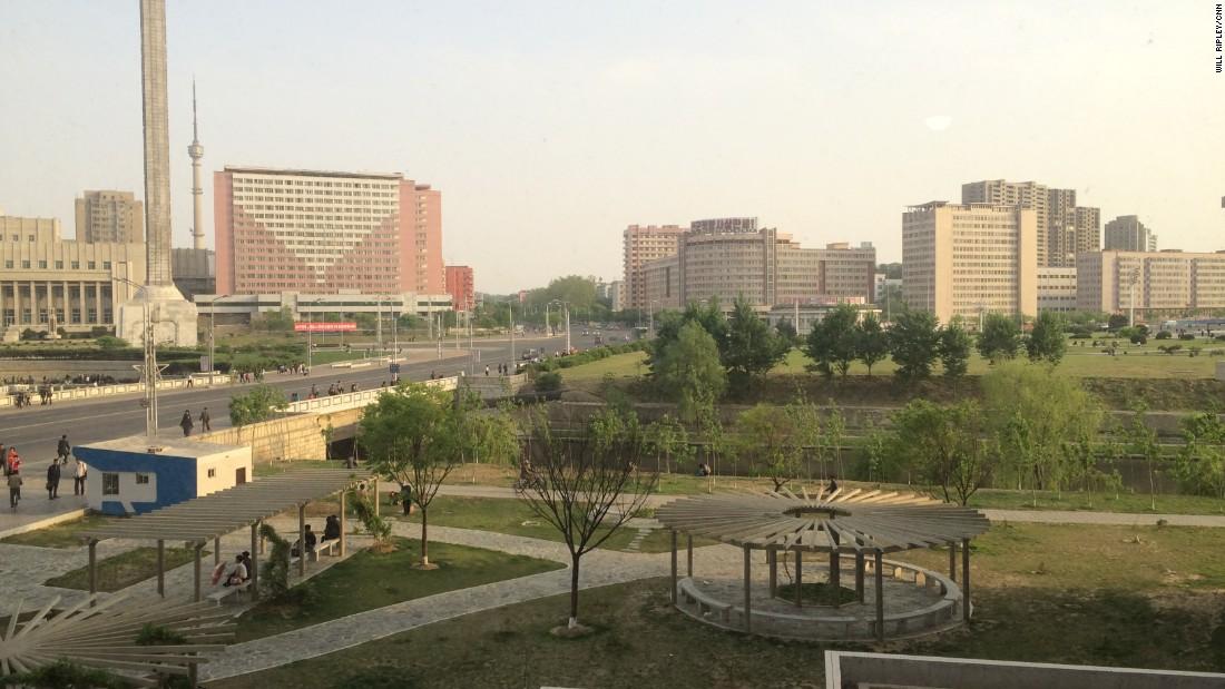 Cnn Goes Inside An Upscale North Korean Apartment