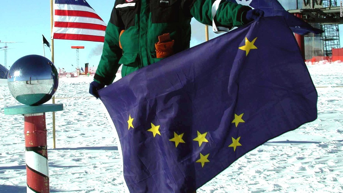 "<strong>The Best</strong> -- 4. Alaska<br />""A 13-year-old native boy designed the flag in 1927. With utmost simplicity, its stars form the 'Big Dipper' constellation and the North Star, aptly representing our northernmost state."" -- Ted Kaye, author of ""Good Flag, Bad Flag"""
