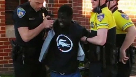 Baltimore officer: Freddie Gray's knife was illegal