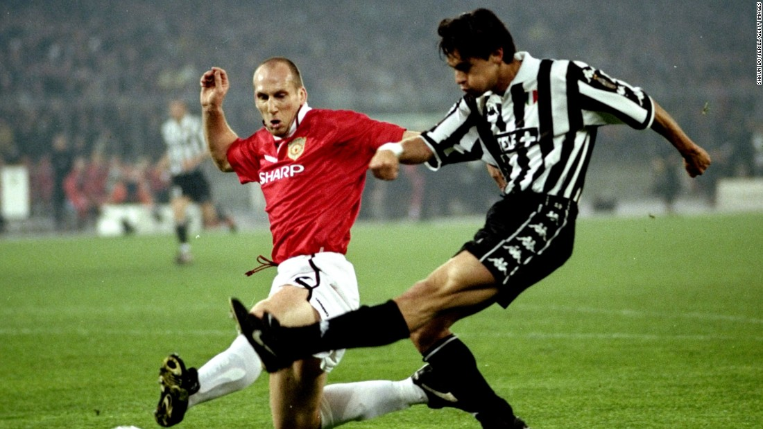 After a 1-1 draw in the first leg of its 1999 Champions League semifinal against Manchester United, Juventus looked certain to book a place in the final after a rapid start in the return match. The Italian side flew into a two-goal lead in the opening 11 minutes to move ahead 3-1 on aggregate.