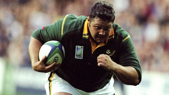 Former rugby star Ollie le Roux -- pictured in action  for South Africa during the 1999 World Cup -- weighed 137 kilograms (302 lbs) during his playing days. He has discredited the diet encouraged within rugby at the time.