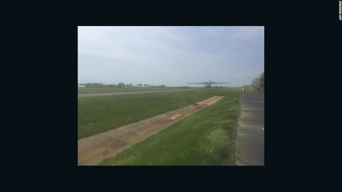 Planes rolling off Culpeper runway, going into hold.