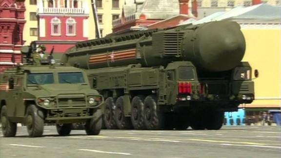 pkg chance russia v-e day anniversary parade_00014008.jpg