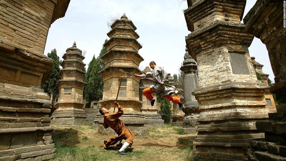 Kung Fu  In Fighting Rocks Ancient Shaolin Monastery