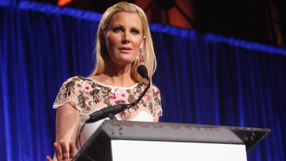 In 2015, TV chef and author Sandra Lee announced that she would have additional surgery to deal with complications from breast cancer. She revealed her diagnosis in May, and her longtime boyfriend, New York Gov. Andrew Cuomo, announced that he would be taking some personal time to support her through her double mastectomy.