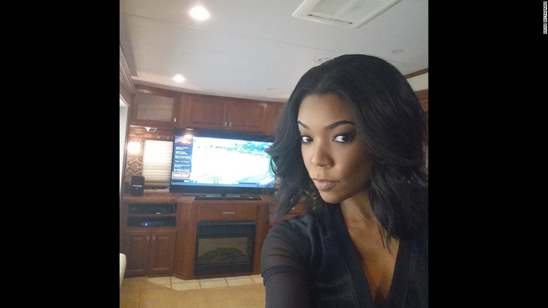 "Actress Gabrielle Union <a href=""https://instagram.com/p/2jH75Mp-YA/"" target=""_blank"">took a selfie of her ""trailer life""</a> on Monday, May 11.""People always ask me what I do between scenes,"" said the ""Being Mary Jane"" star. ""Well... I watch alot of #ESPN and #HGTV ... also re-reading ""Coming of Age in Mississippi"" by Anne Moody (classic)."""