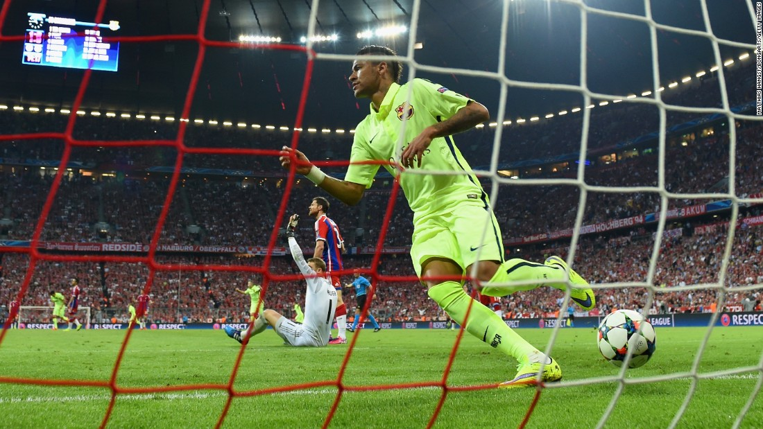 But Messi and Suarez sprung the offside trap as Neymar gave Barca a 4-1 aggregate advantage.