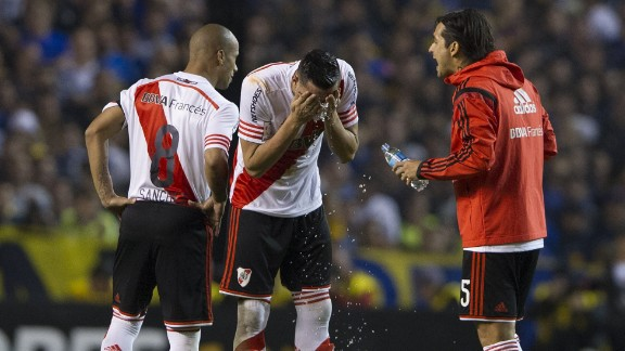 River were 1-0 up from the first leg and the match was halted before the second half with the score 0-0.