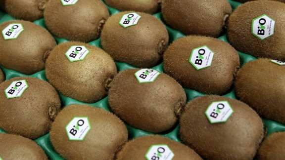 Kiwi is a high-fiber, lower-sugar fruit that doesn't bring on the bloated tummy.