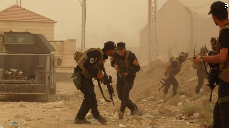 Key Iraqi city of Ramadi falls to ISIS