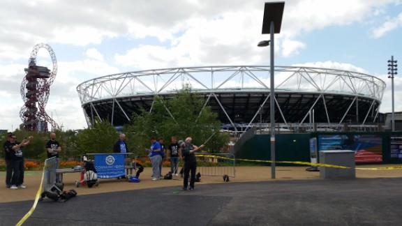 An iconic backdrop to hole 11, the Olympic Stadium is currently hosting Rugby World Cup matches.