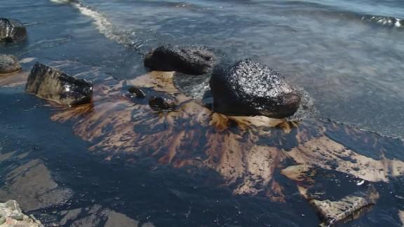 dnt california coast pipeline oil spill_00001225.jpg