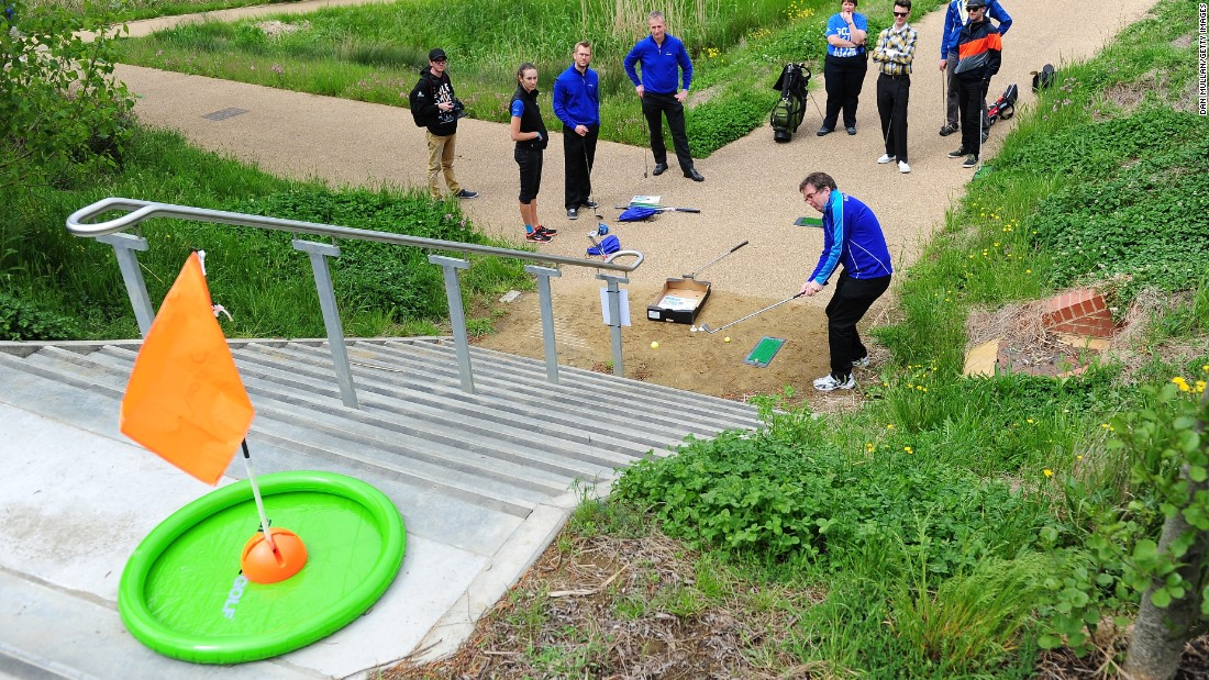 "Players had three attempts to chip off the mat and into the ""hole,"" a tricky one even for the most seasoned of urban golfers."
