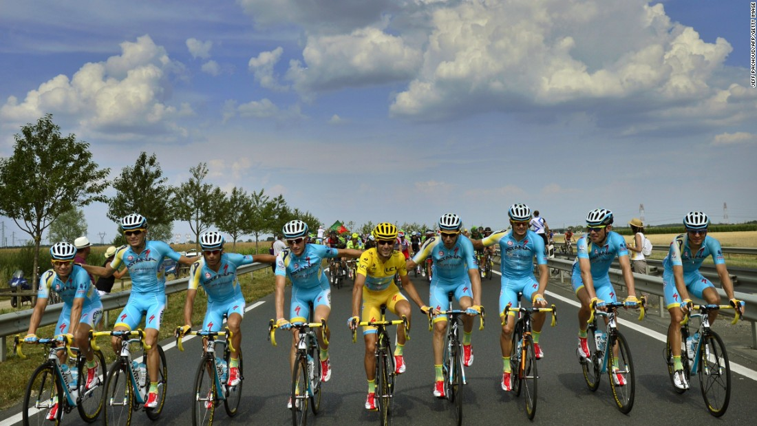 Nibali (center in yellow) started the 2014 season with confidence after winning the Giro D'Italia in his first year at the Kazakh team.