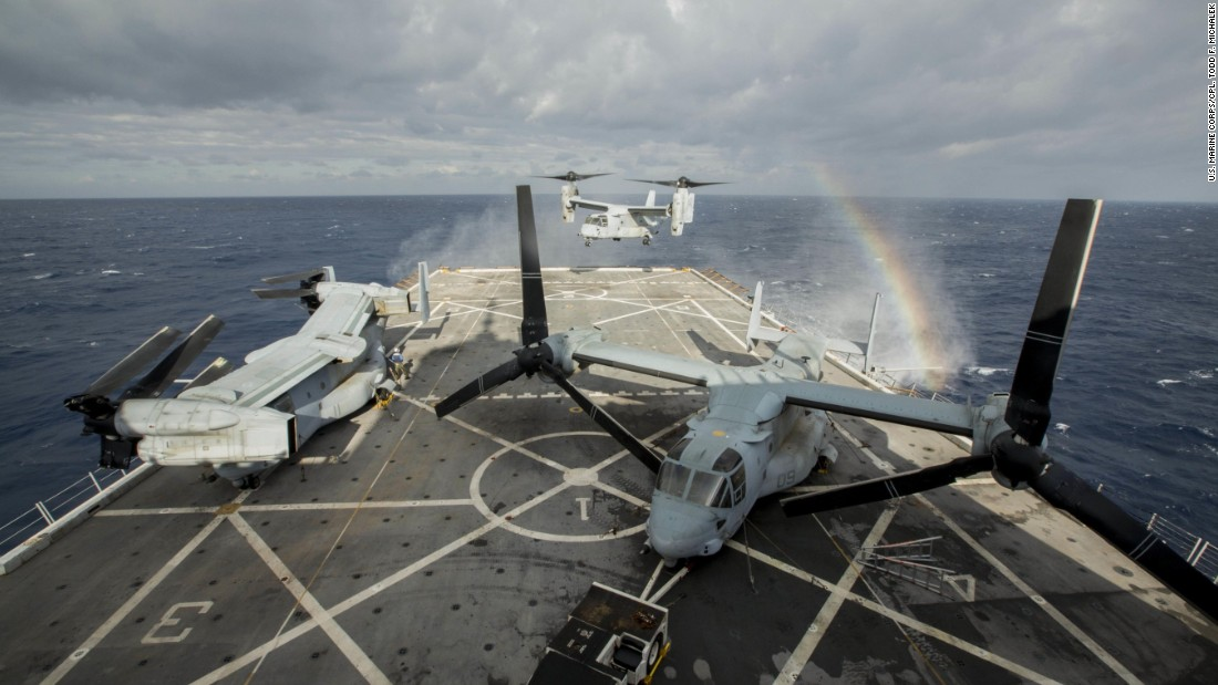 An MV-22B Osprey, assigned to Marine Medium Tiltrotor Squadron 365 (Reinforced), 24th Marine Expeditionary Unit, hovers over the flight deck of the amphibious transport dock USS New York, at sea, in January 2015.