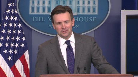 Cuba reporter White House press briefing Josh Earnest question_00043326